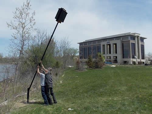 installing the easy up bat house pole bracket rh batsbirdsyard com  backyard bath house